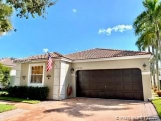 Photo of 15634 NW 14th Ct, Pembroke Pines, FL 33028 (MLS # A10949394)
