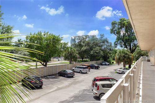 Photo of 5170 SW 40th Ave #27E, Dania Beach, FL 33314 (MLS # A10903402)