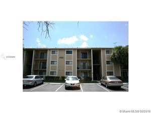 Photo of 400 PALM CIR W #305, Pembroke Pines, FL 33025 (MLS # A10740411)