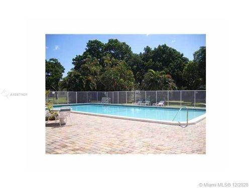 Photo of 5160 SW 40th Ave #4D, Dania Beach, FL 33314 (MLS # A10971431)
