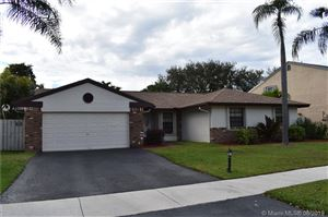 Photo of 601 Lexington Ave, Davie, FL 33325 (MLS # A10668432)
