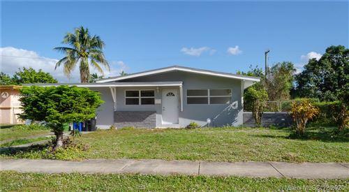 Photo of 510 Carolina Ave, Fort Lauderdale, FL 33312 (MLS # A10975478)