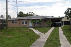 Photo of 1101 SW 51st Ave, Plantation, FL 33317 (MLS # A10672507)