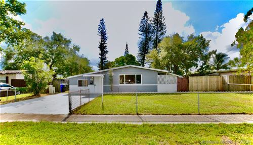 Photo of 7020 Fillmore St, Hollywood, FL 33024 (MLS # A10773530)