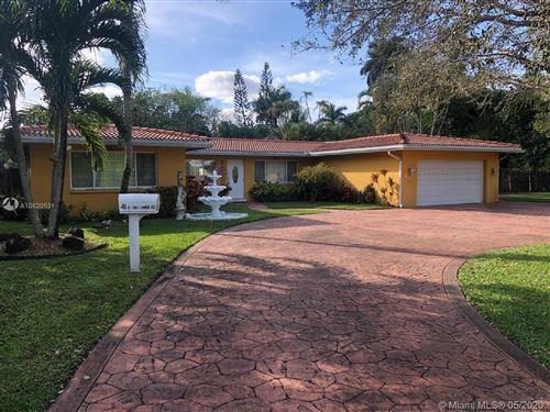 Photo of 41 N Fig Tree Lane, Plantation, FL 33317 (MLS # A10820531)