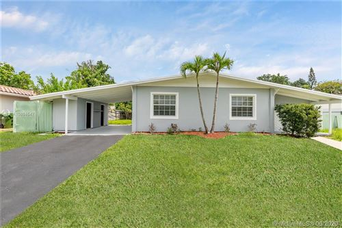 Photo of 2631 SW 18th St, Fort Lauderdale, FL 33312 (MLS # A10864547)