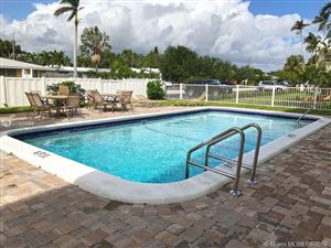 Photo of 5420 NE 22nd Ter #4, Fort Lauderdale, FL 33308 (MLS # A10675576)
