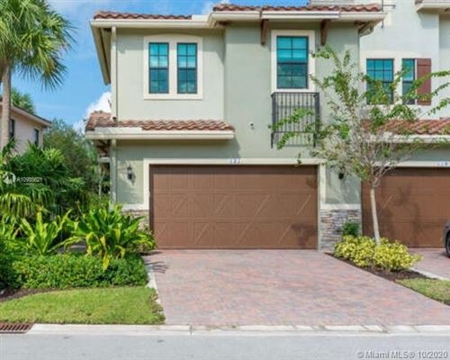 Photo of 121 SW 127th Ter, Plantation, FL 33325 (MLS # A10935621)