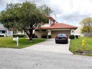 Photo of 6511 Ridgelock Ct, Davie, FL 33331 (MLS # A10707678)