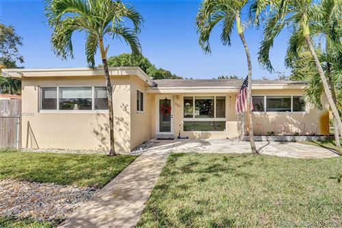 Photo of 3301 SW 16th St, Fort Lauderdale, FL 33312 (MLS # A10975692)