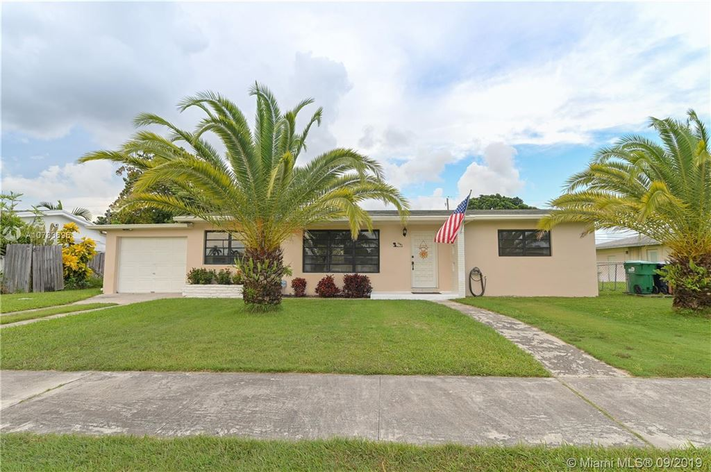 1741 NW 10th St, Homestead, FL 33030 - MLS#: A10733696