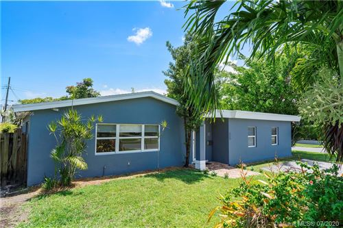 Photo of 600 NE 2nd Pl, Dania Beach, FL 33004 (MLS # A10886705)