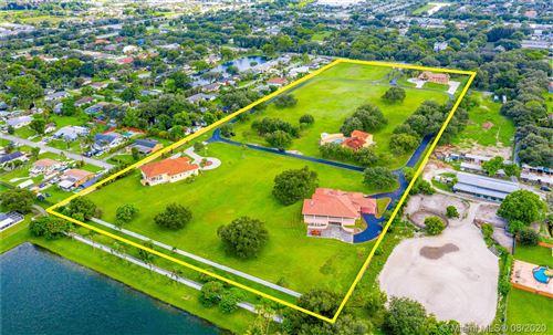 Photo of 4190 SW 75th Cir E, Davie, FL 33314 (MLS # A10902706)