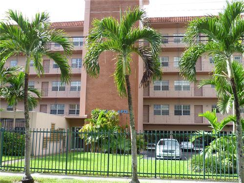 Photo of 900 SW 84th Ave #317E, Miami, FL 33144 (MLS # A10976708)