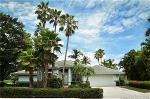 Photo of 760 W Laurel Ln W, Pembroke Pines, FL 33027 (MLS # A10679751)