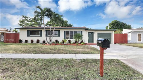 Photo of 3521 SW 21st St, Fort Lauderdale, FL 33312 (MLS # A10785823)