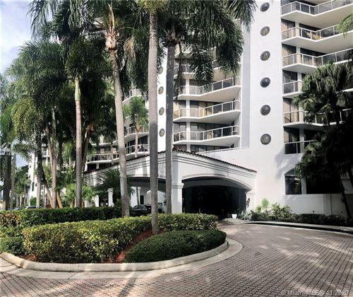 Photo of 3610 Yacht Club Dr #1014, Aventura, FL 33180 (MLS # A10947827)