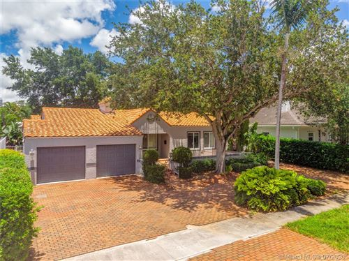 Photo of 805 SE 10th St, Fort Lauderdale, FL 33316 (MLS # A10883841)
