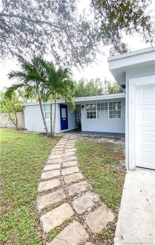 Photo of 2216 SW 34th Ter, Fort Lauderdale, FL 33312 (MLS # A10948851)