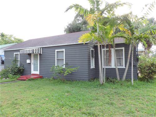 Photo of 47 SE 1st Ave, Dania Beach, FL 33004 (MLS # A10854853)