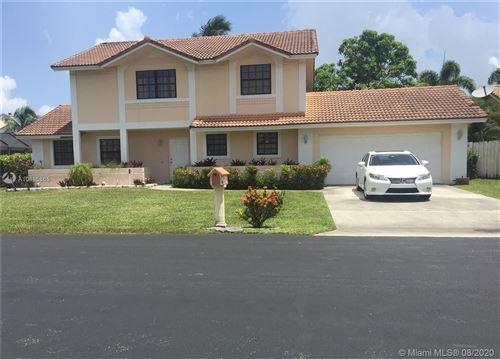 Photo of 6810 W Longbow Bnd, Davie, FL 33331 (MLS # A10885865)