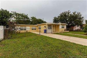 Photo of 6615 SW 1st Ct, Pembroke Pines, FL 33023 (MLS # A10710928)