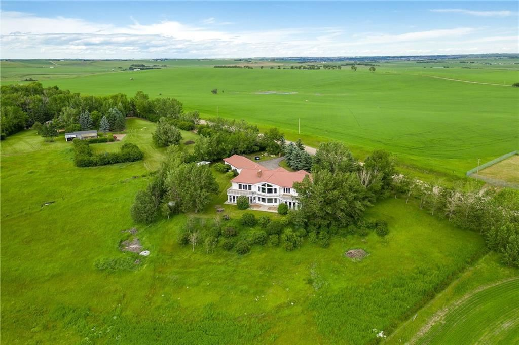 Photo of 81 SUNSET RIDGE DR, Rural Rocky View County, AB T3P 1A4 (MLS # C4306003)