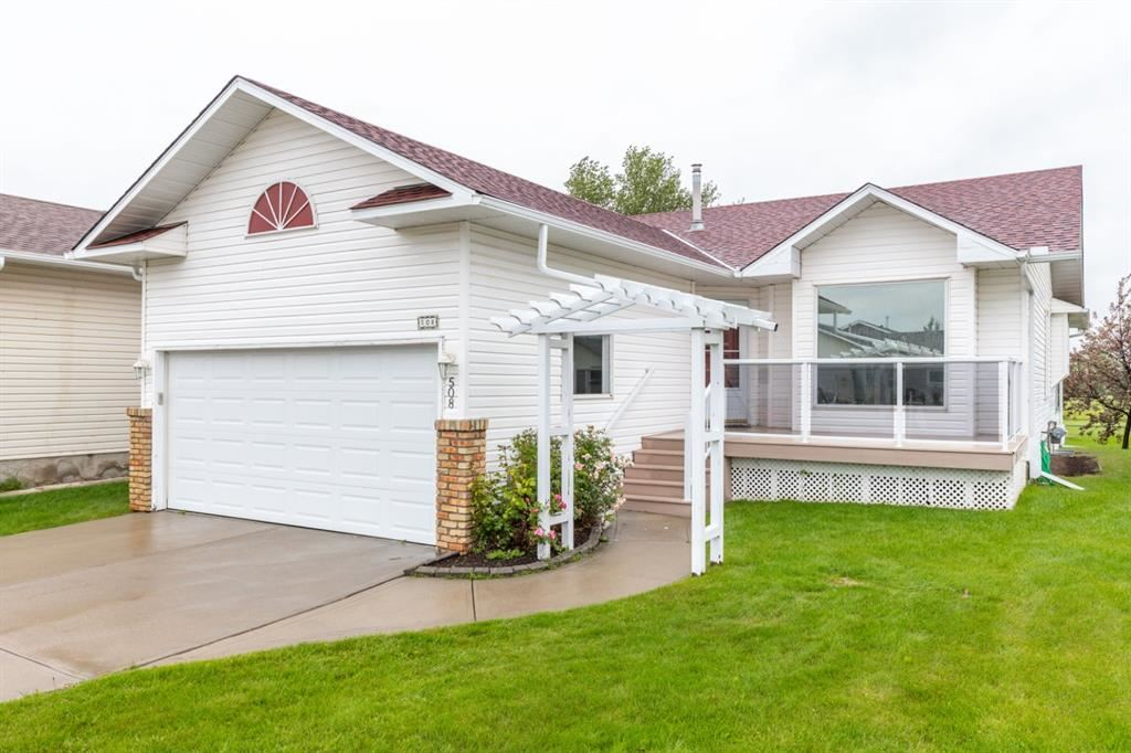 Photo of 508 WOODSIDE Drive, Airdrie, AB T4B 2C6 (MLS # A1010035)