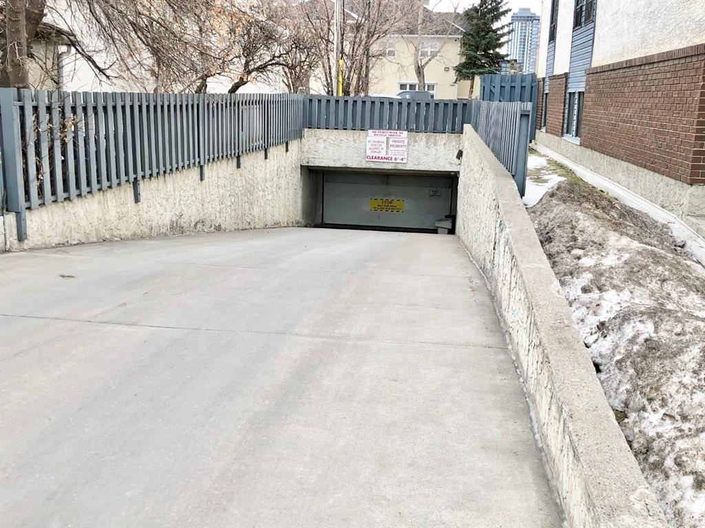 Photo of 647 1 Avenue NE #304, Calgary, AB T2E 0B5 (MLS # A1061043)