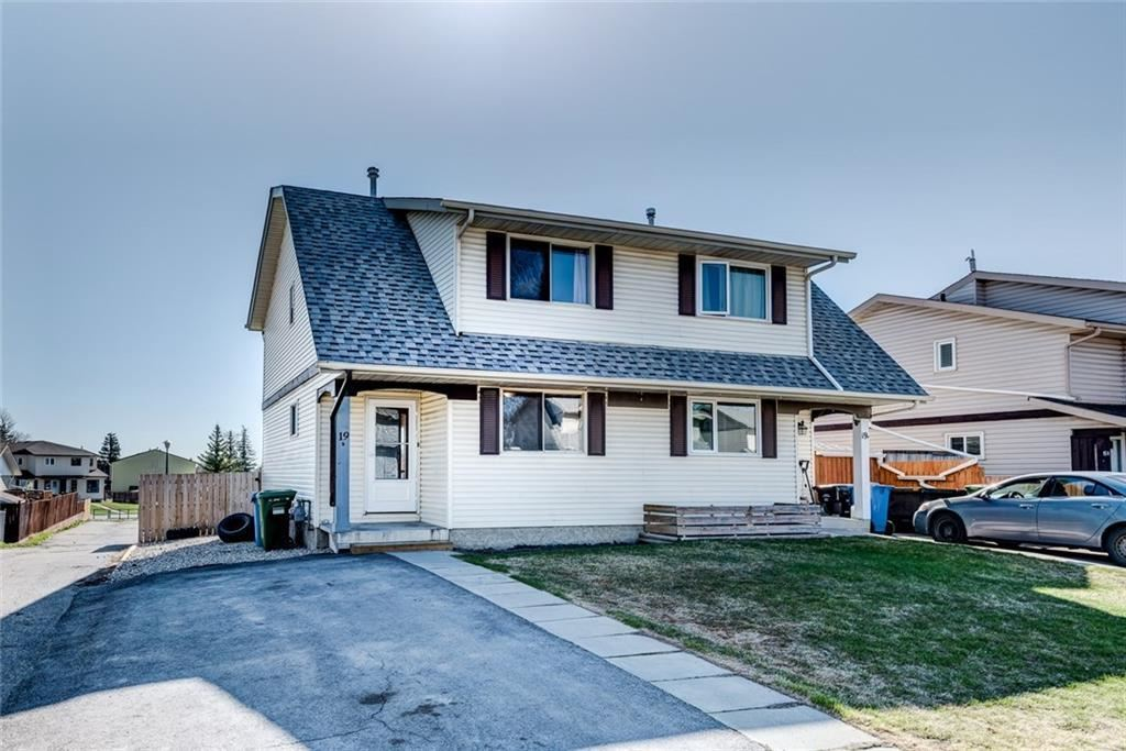 Photo of 19B FONDA Green SE, Calgary, AB T2A 5S4 (MLS # A1037087)