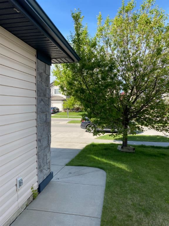 Photo of 922 Cranston Drive SE, Calgary, AB T3M 1E3 (MLS # A1113134)