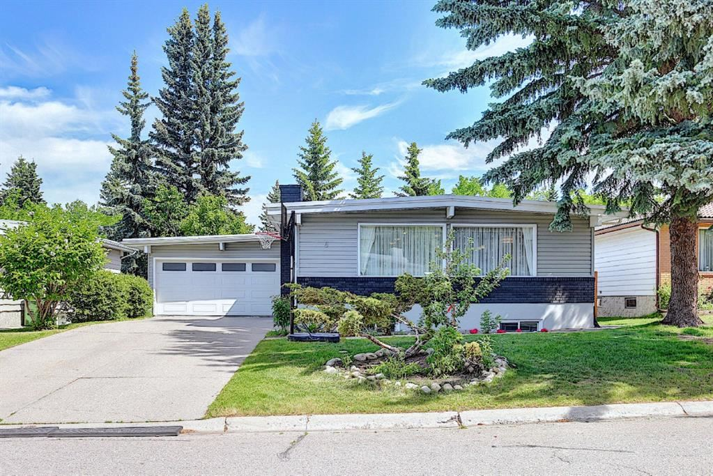 Photo of 6 Varslea Place NW, Calgary, AB T3A 0C9 (MLS # A1122141)