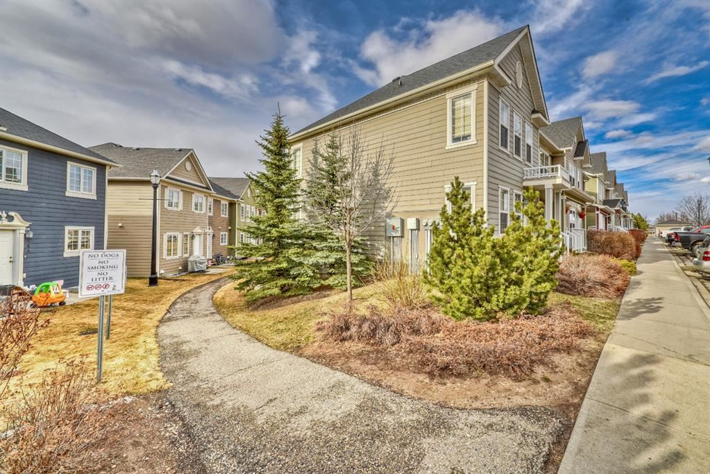 Photo of 252 Cascades Pass, Chestermere, AB T1X 0K8 (MLS # A1129152)