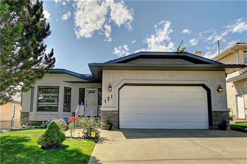 Photo of 121 LAKESIDE GREENS DR, Chestermere, AB T1X 1B9 (MLS # C4266166)