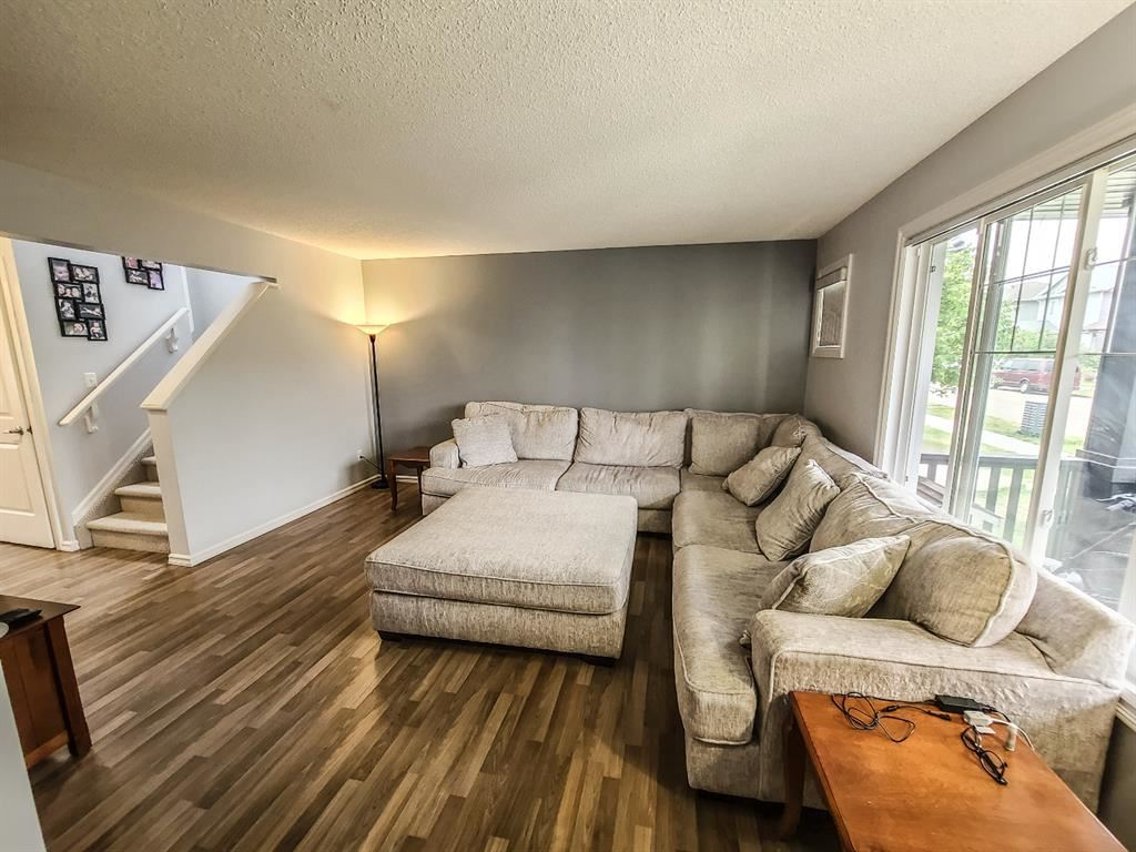 Photo of 2332 28 Avenue NW, Edmonton, AB T6T 0A4 (MLS # A1137170)