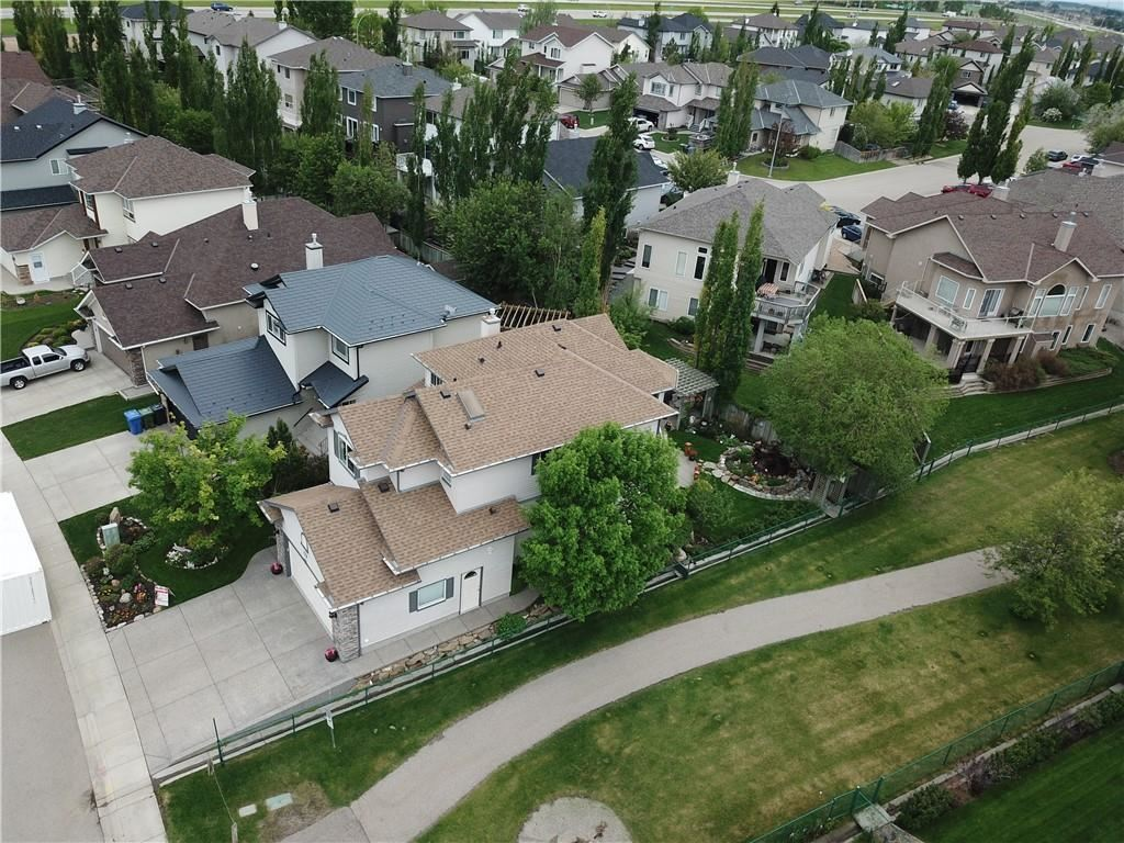 Photo of 244 COVE DR, Chestermere, AB T1X 1J4 (MLS # C4301178)