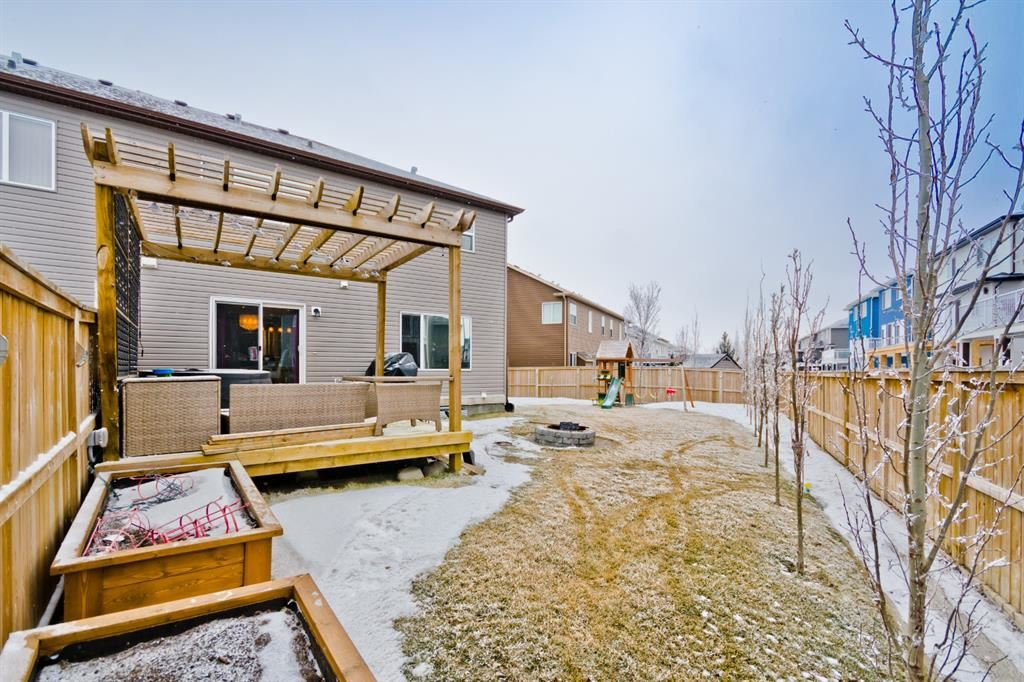 Photo of 172 Viewpointe Terrace, Chestermere, AB T1X 0P9 (MLS # A1064181)