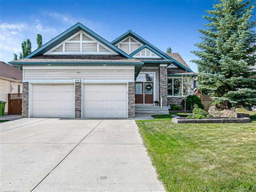 Photo of 609 Cavendish Beach Bay, Chestermere, AB T1X 1H9 (MLS # A1123247)