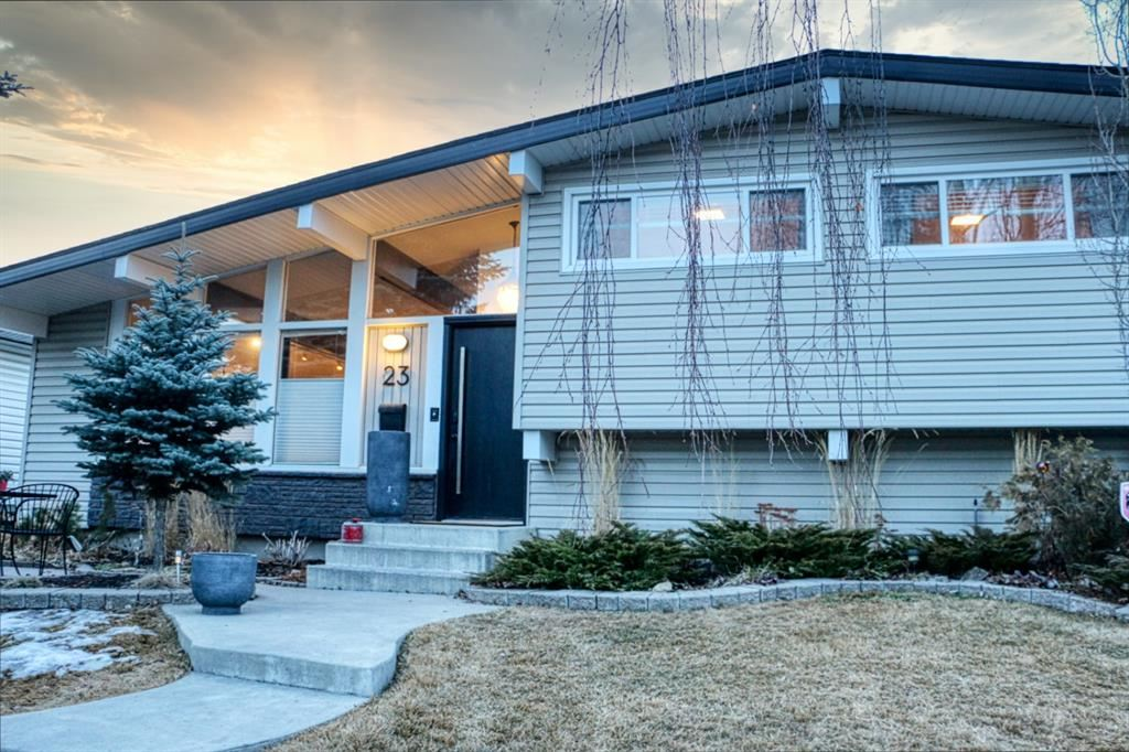 Photo of 23 Braden Crescent NW, Calgary, AB T2L 1N2 (MLS # A1073272)