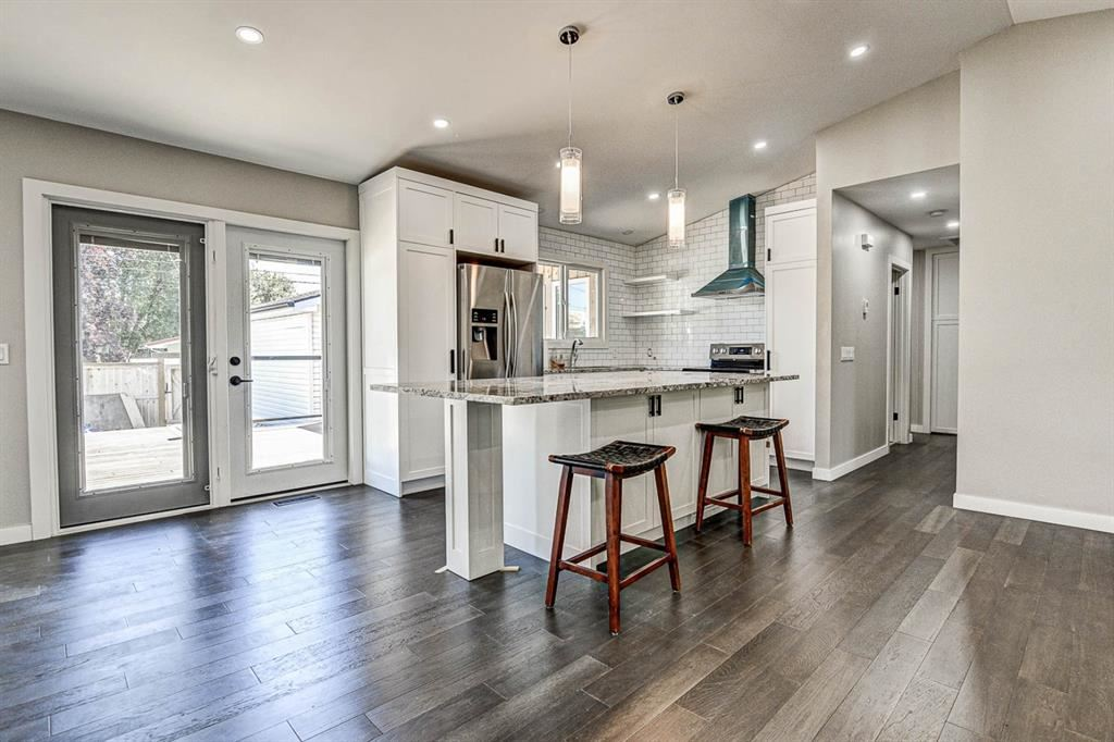 Photo of 9324 ALBANY Place SE, Calgary, AB T2J 1A1 (MLS # A1018286)