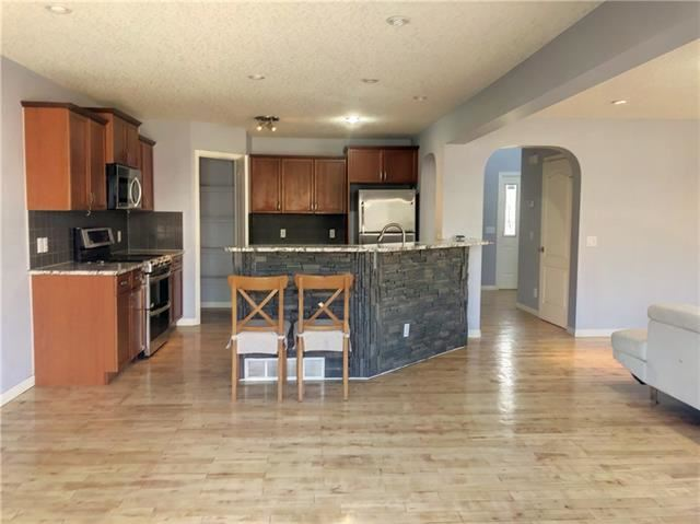 Photo of 284 Oakmere WY, Chestermere, AB T1X 1N6 (MLS # C4290318)