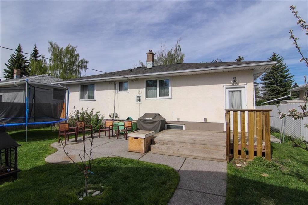 Photo of 3308 45 Street SW, Calgary, AB T3E 3T9 (MLS # A1156345)
