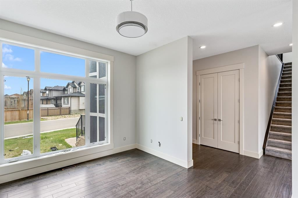 Photo of 224 Kinniburgh Circle, Chestermere, AB T1X 0P8 (MLS # A1111359)