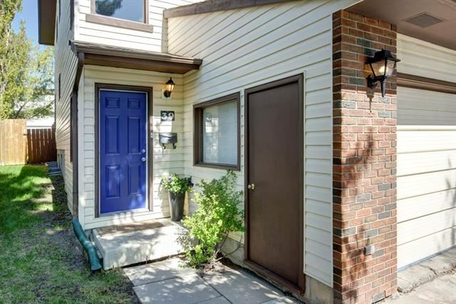 Photo of 39 EDGEDALE WY NW, Calgary, AB T3A 2P7 (MLS # C4299369)