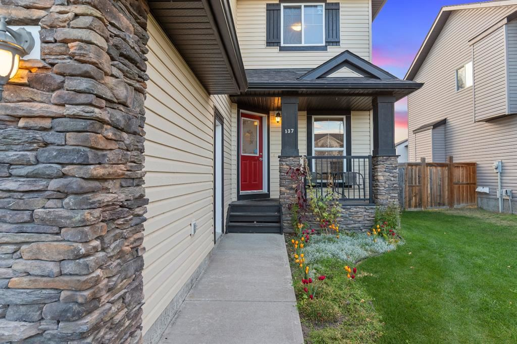 Photo of 137 Willowmere Way, Chestermere, AB T1X 0E1 (MLS # A1152371)