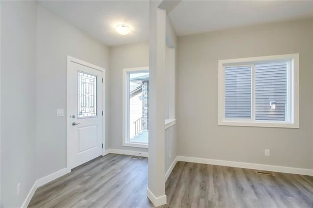 Photo of 272 Sandpiper BV, Chestermere, AB T1X 0Y5 (MLS # C4282383)