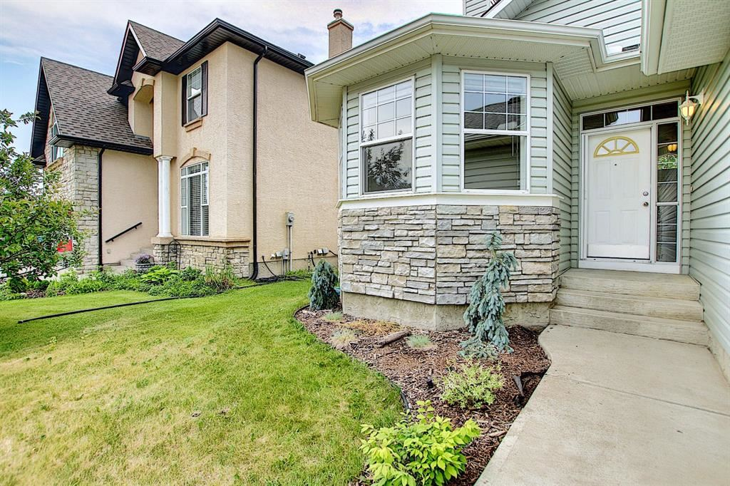 Photo of 106 LAKEVIEW Shores, Chestermere, AB T1X 1H1 (MLS # A1125405)