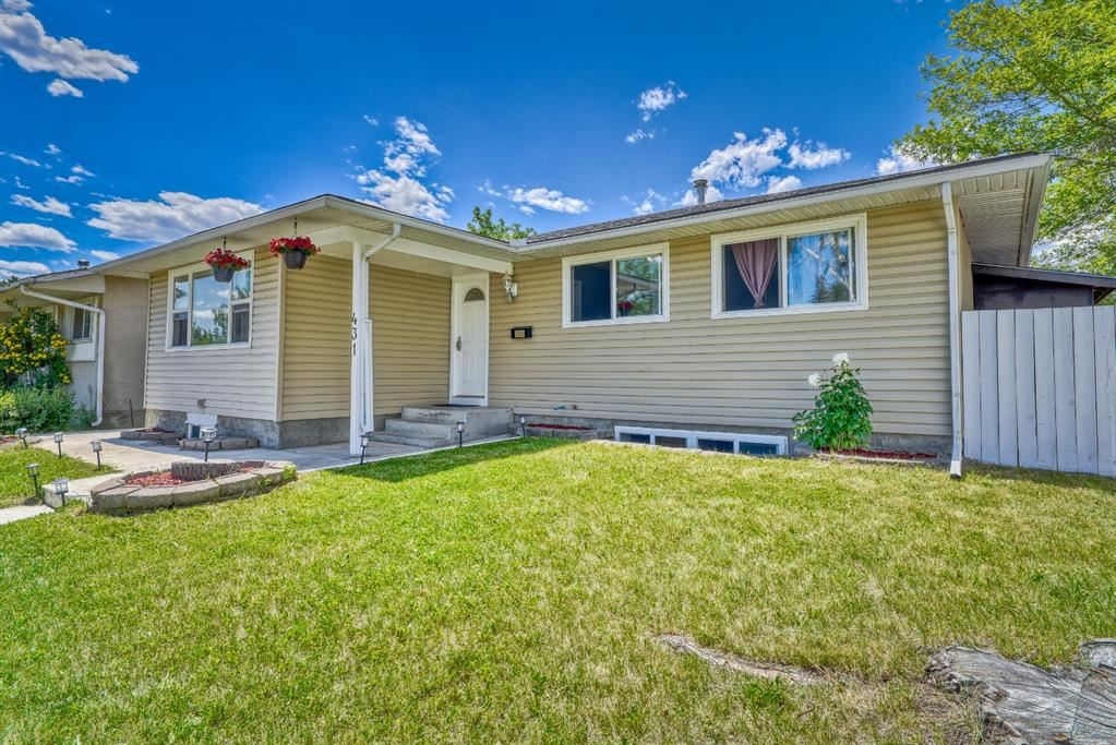 Photo of 431 Penswood Road SE, Calgary, AB T2A 4T6 (MLS # A1123409)