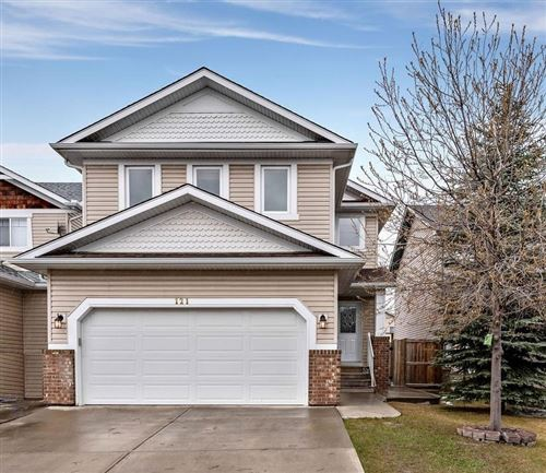 Photo of 121 LAKEVIEW IN, Chestermere, AB T1X 1P3 (MLS # C4243415)
