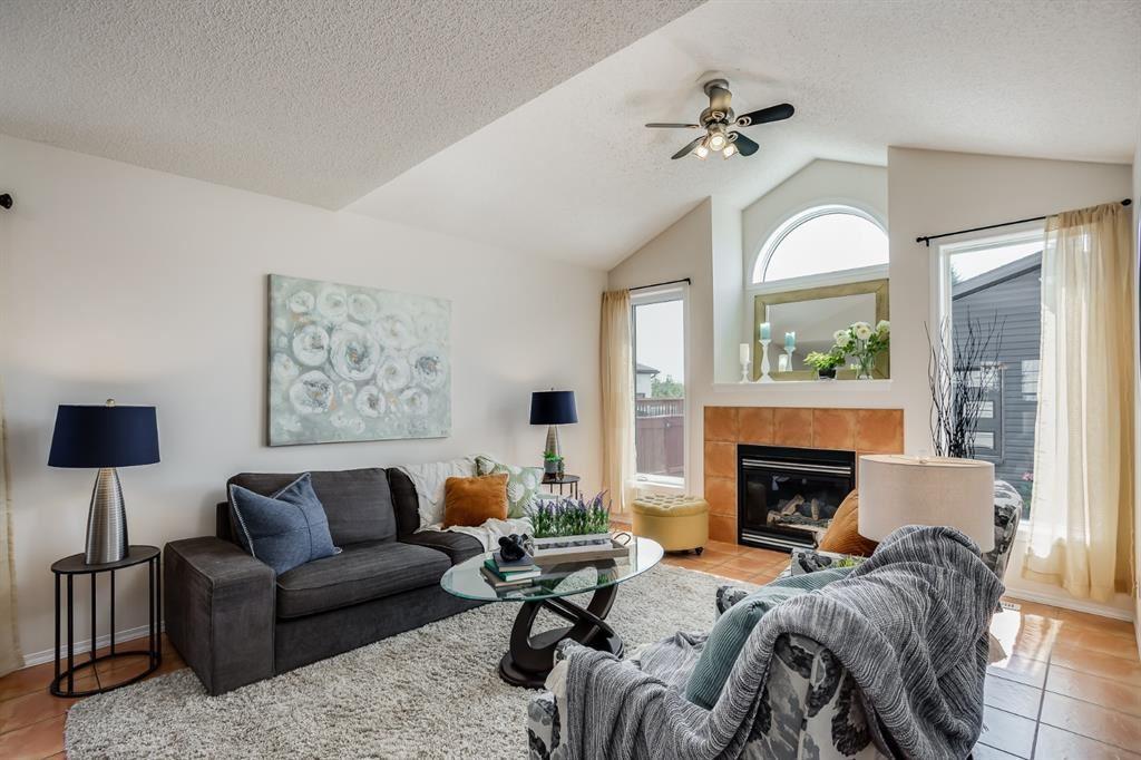 Photo of 356 Prestwick Heights SE, Calgary, AB T2Z 2W1 (MLS # A1131431)